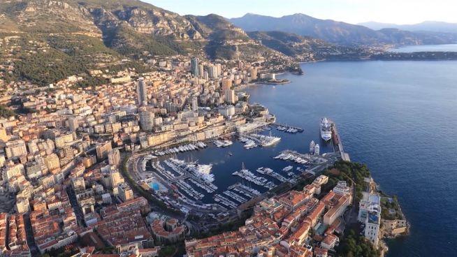 Grüne Yachtbewegung in Monte-Carlo