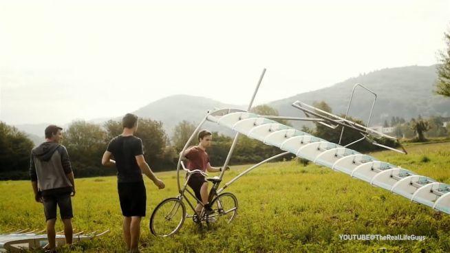Fahrrad-Flugzeug und Co.: DIY-Könige in Aktion