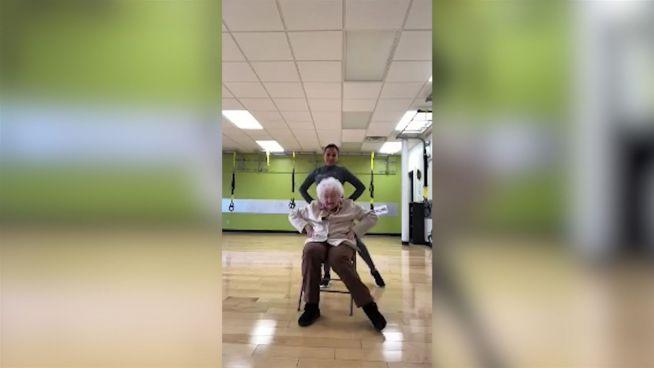 Energiebündel: 93-Jährige schwingt das Tanzbein