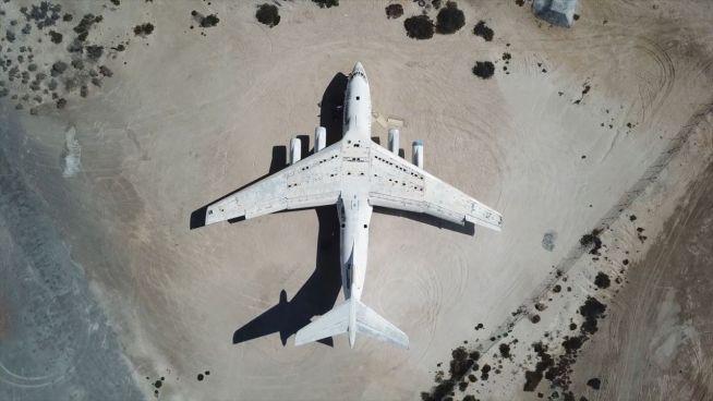 Völlig verkommen: Schmuggel-Flieger wird zur Ruine