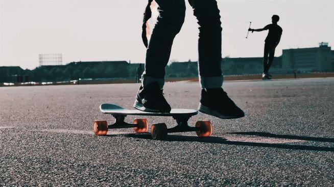 Rollen auf dem Rollfeld: Tempelhof wird zum Skater-Paradies