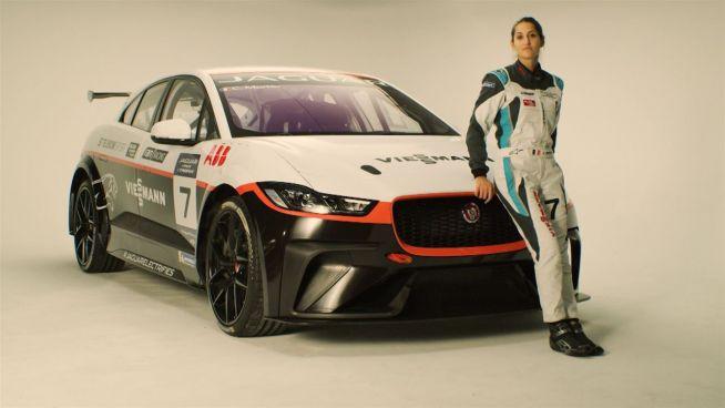 Célia Martin will als Rennfahrerin in der I-Pace eTrophy durchstarten