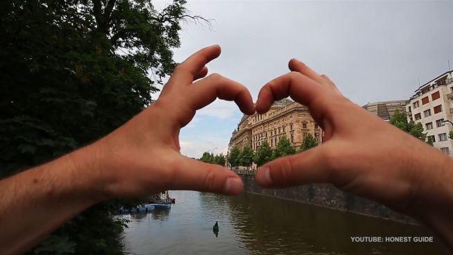 Lokalpatriotismus: Bewohner schützen Prag-Touristen