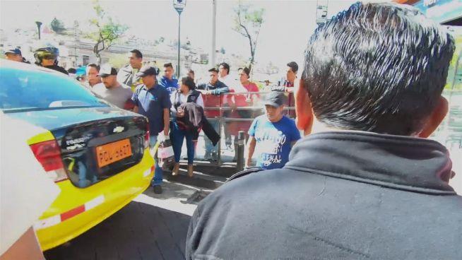 Meine erste Demo: Taxifahrer wehren sich gegen Benzinpreise