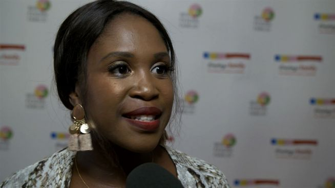 Promis mit Bauch: Zukünftige Star-Mamas tummeln sich bei Modenschau