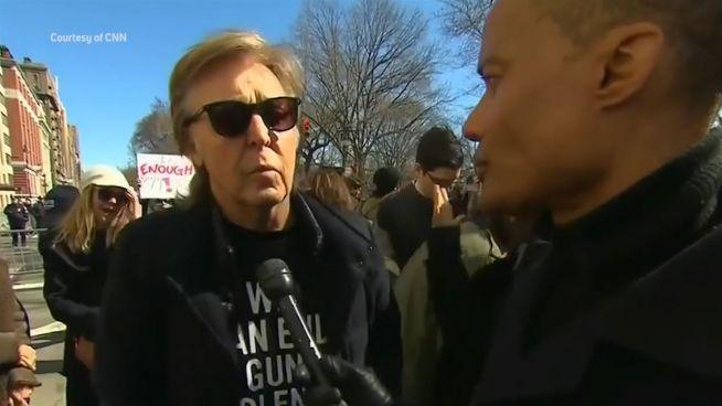 Gutes Vorbild: Stars unterstützen Anti-Waffen-Demos