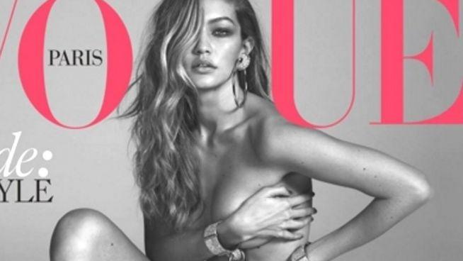 Nur mit Parfum: Gigi Hadid braucht keine Kleidung