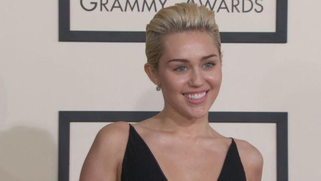 Nie wieder roter Teppich: Miley kehrt verwandelt zurück