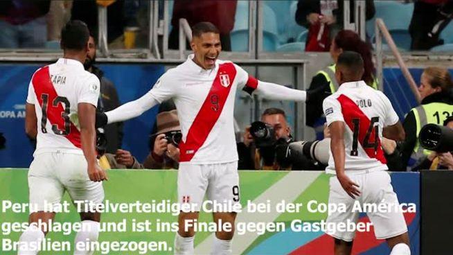 Peru schlägt Titelverteidiger Chile und trifft im Finale auf Brasilien